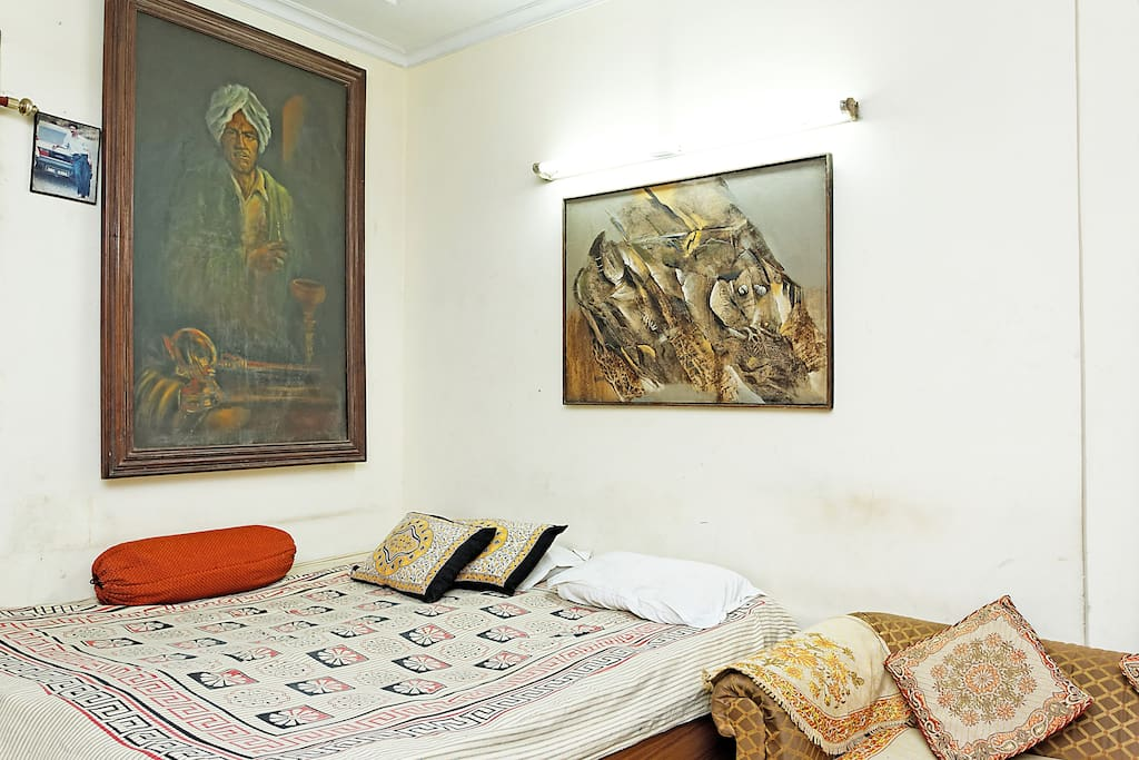 AFFORDABLE AND BEST HOUSE IN DELHI