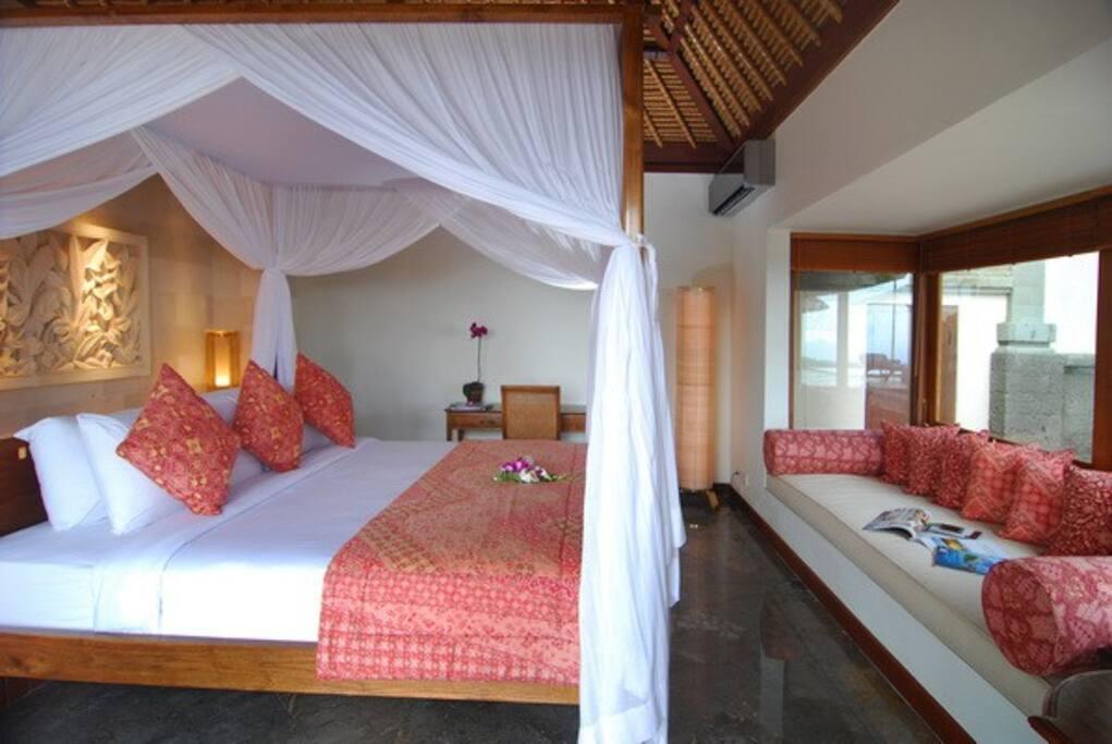 Ocean View Jimbaran Villa (4BR)