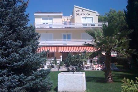 Vila Blanka 2, Vodice - Vodice - Bed & Breakfast