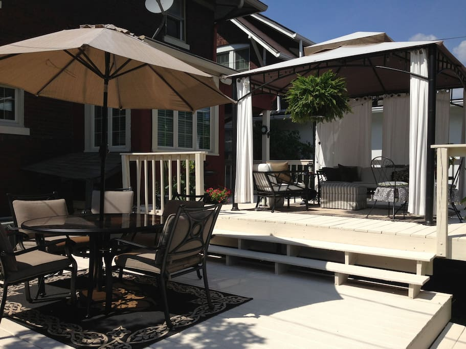 Huge 2-tier deck with gazebo, gas Charbroil grill, dining table