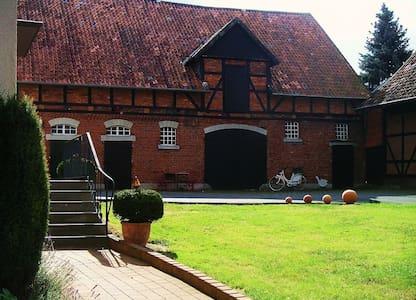 Landidylle auf altem Bauernhof - Huis