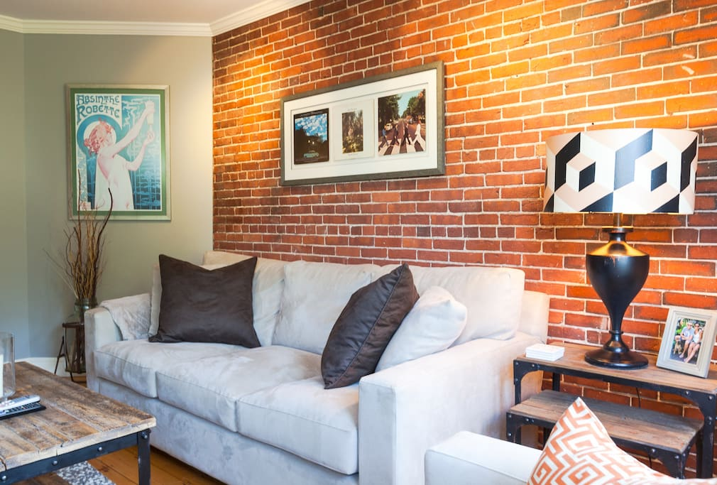 Monument Sq 2Bed/2Bath w/ Roof Deck