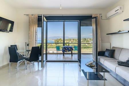 Kyparisia on the beach apartment - Kyparissia - Huoneisto