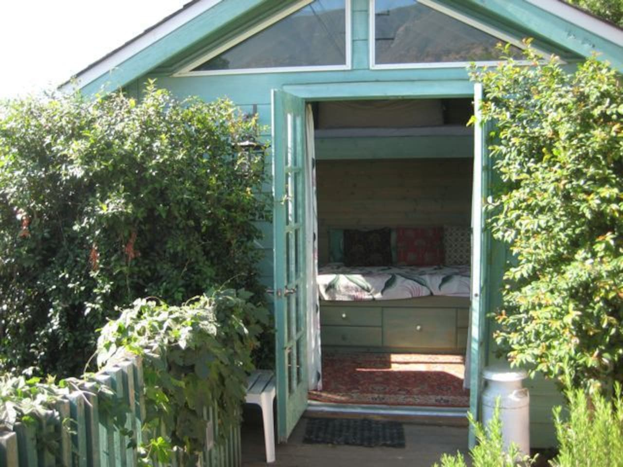 Our Garden Cottage, note the drawers under the bed...:)