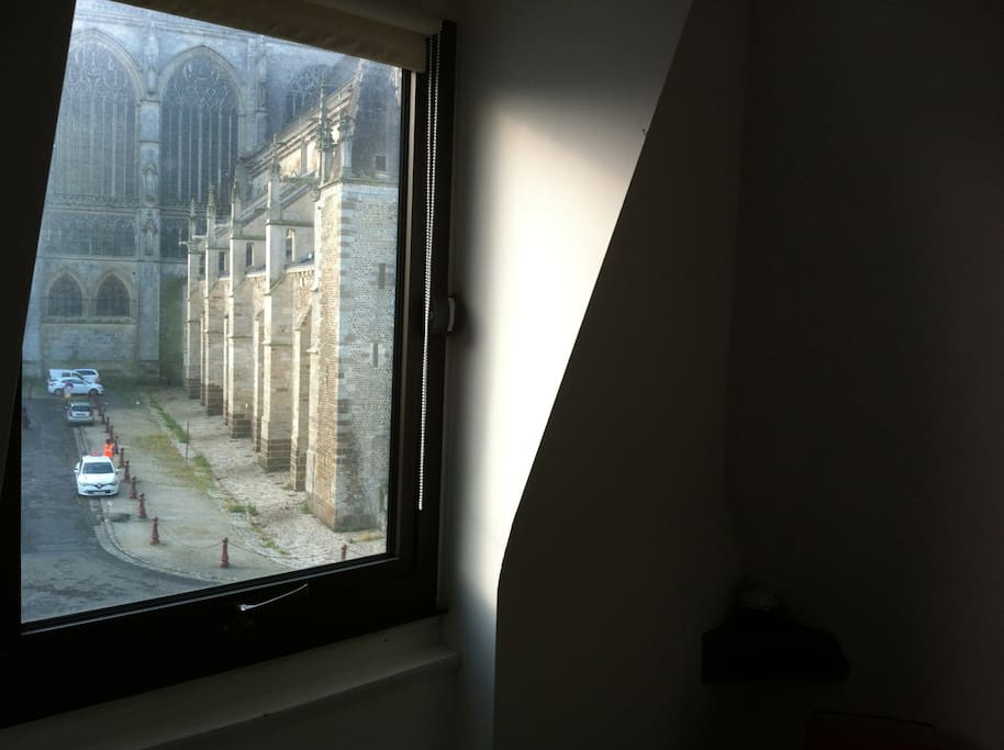 vue sur la cathedrale de la chambre
