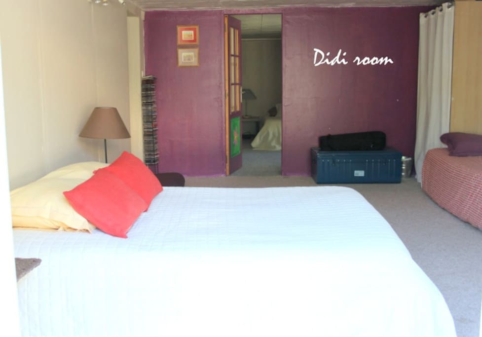 Ground floor Didi-room with 1 double bed & 2 singles with direct  garden exit
