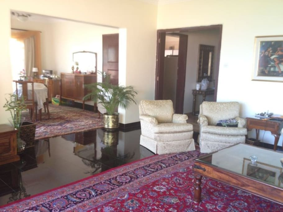 Elegant Home on best Muscat beach..