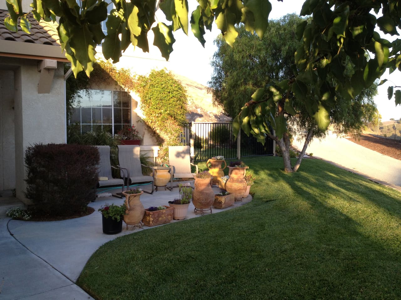 Front Patio: sit and enjoy the countryside views!