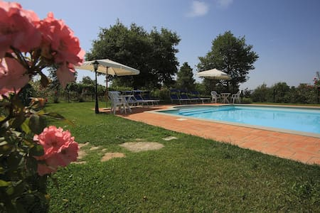 La Quercia apartment with pool - Cortoreggio