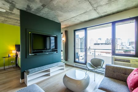 LUXURY CORPORATE PIED A TERRE 1707