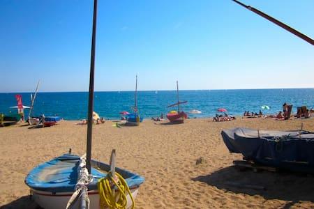 Beautiful appartment near beaches - Sant Pol de Mar - Flat