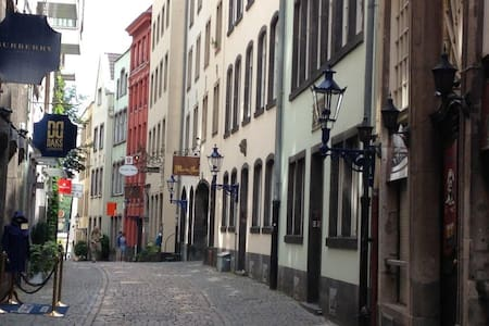 Romantik pur in der Kölner Altstadt - Apartment