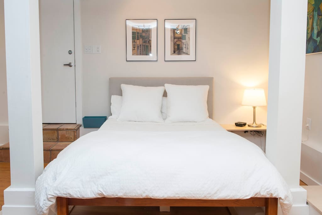 Queen bed - linens provided