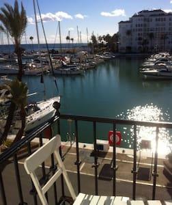 Beautiful studio great harbor views - Manilva - Apartamento