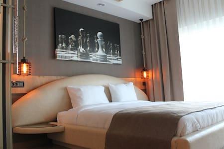 Deluxe Room at La Belle Nisantashi - Istanbul - Bed & Breakfast