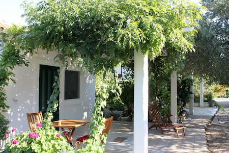 Romantic bungalow for two on Mljet - Bungalow