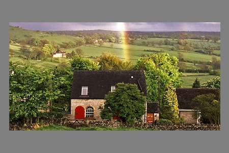 Charming, converted Grade II listed Chapel (1838) - Derbyshire - Hus