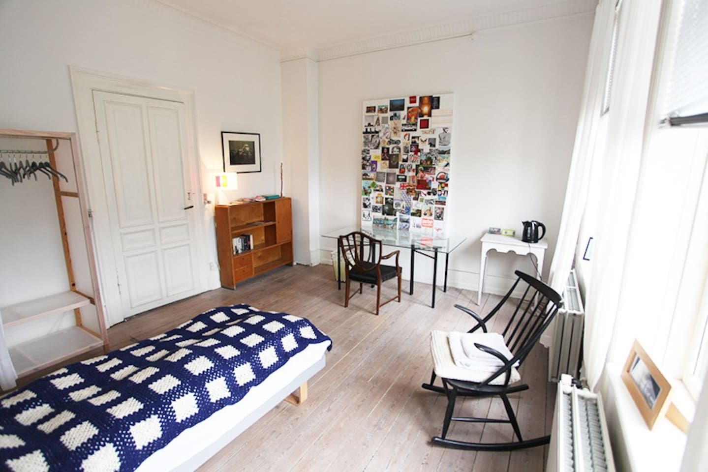 Room 1 in wonderfull light big flat