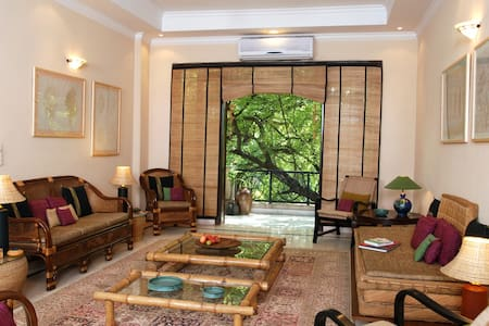 Neem Tree House Nizamuddin East Del - Apartment