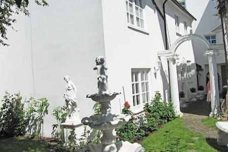 Fürsten Luxus-Suite ***** stars  - City direkt ! - Memmingen - Casa