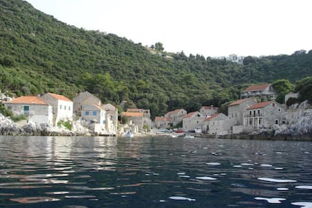 Beautiful apartments in Lastovo - Huoneisto