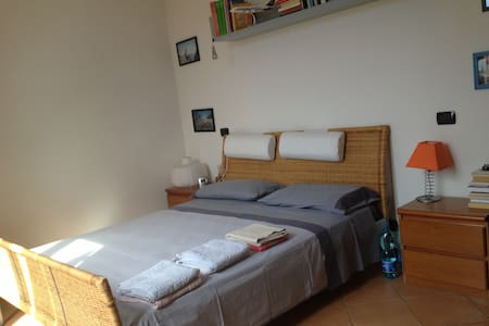 Taino room/attic next Lago Maggiore - Hus