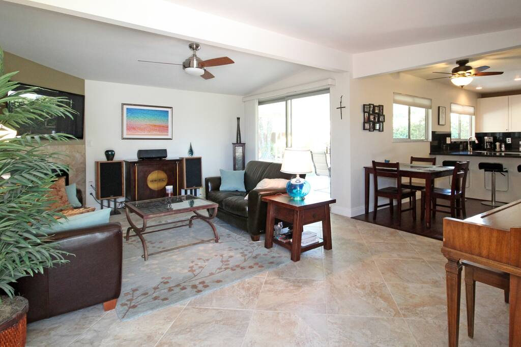 Room & Bath in SD:  Great Location!