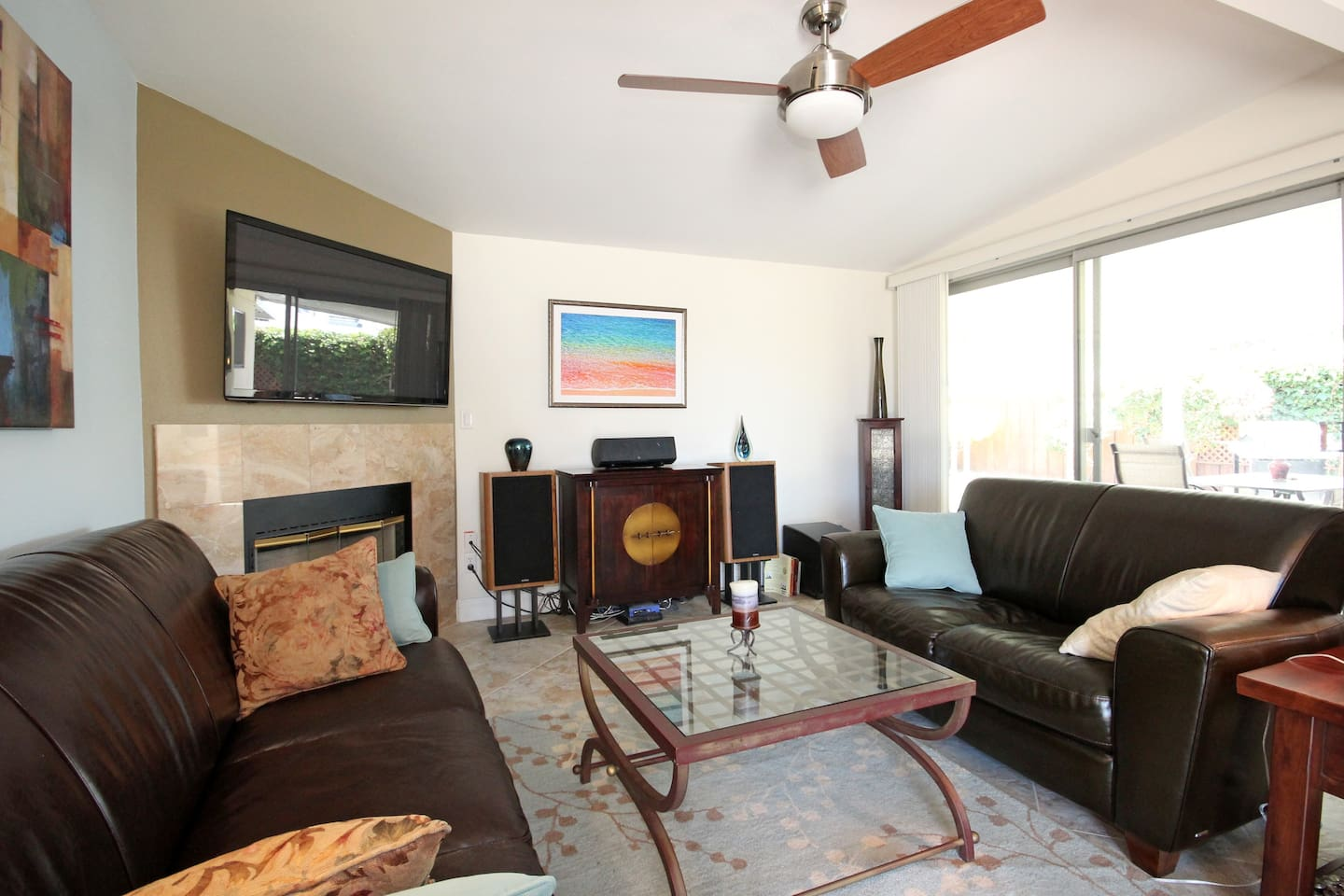 HDTV, wireless i-net, stereo.   Entire home recently remodeled.