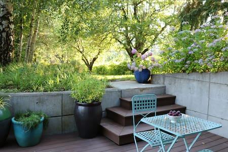 River Island Farm Retreat (near downtown Portland) - Portland - House