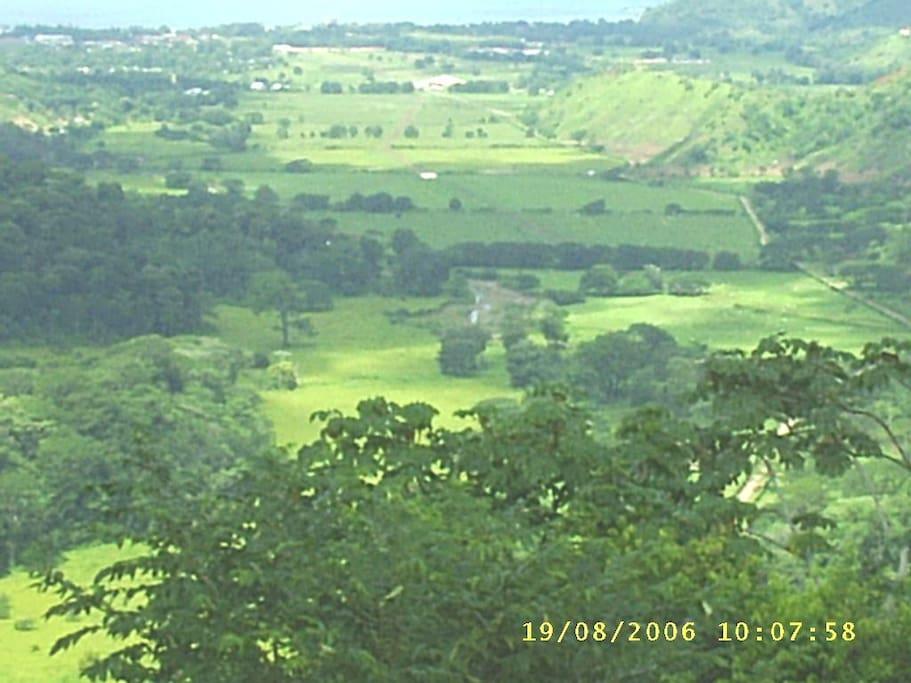 Planicie en las inmediaciones de la ruta Jacó-Bijagual