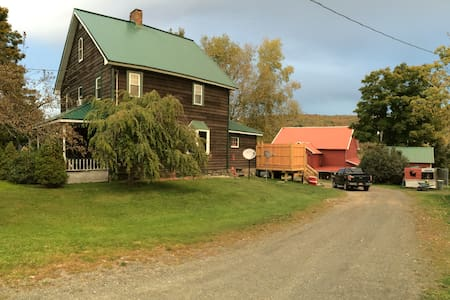 Mountain Hollow Bed and Breakfast - Windsor - House
