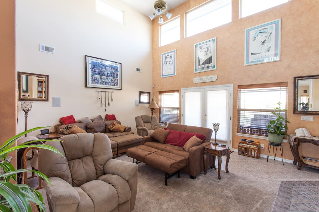 Great Rom with Full sleeper couch in this large area where family can enjoy lounging or watching movies from the 320 selections of dvd's