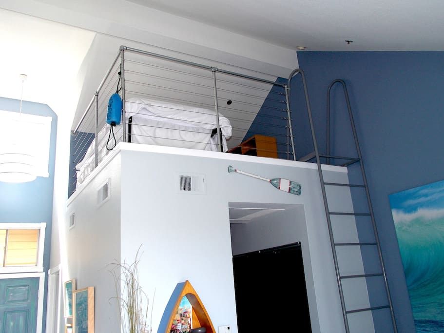 Fun upstairs loft that has two twin beds.