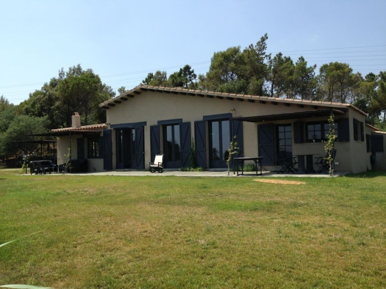 New furnished nice country house very well decorated in a very relaxing area...