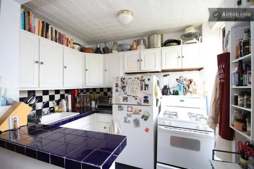2 rooms in a 3 bedroom - Brooklyn