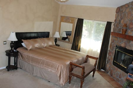 Luxury Executive, Honeymoon, multi Suite Retreat - Casa
