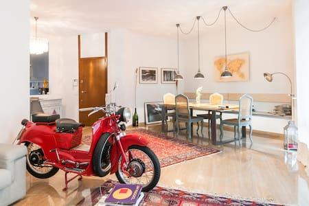 Nuovo a due passi da centro e autostrada - Varese - Apartment
