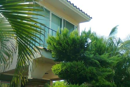 PRECIOSA CASA CON ALBERCA EN CUAUTLA, MORELOS - Haus