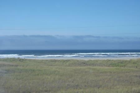 Beautiful Condo Overlooking the Beach! (202) - Seaside