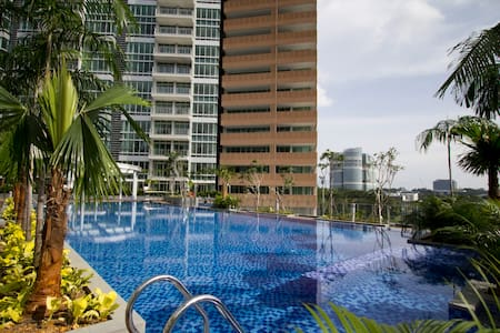 Beautiful Pool View Loft Apartment - Singapur
