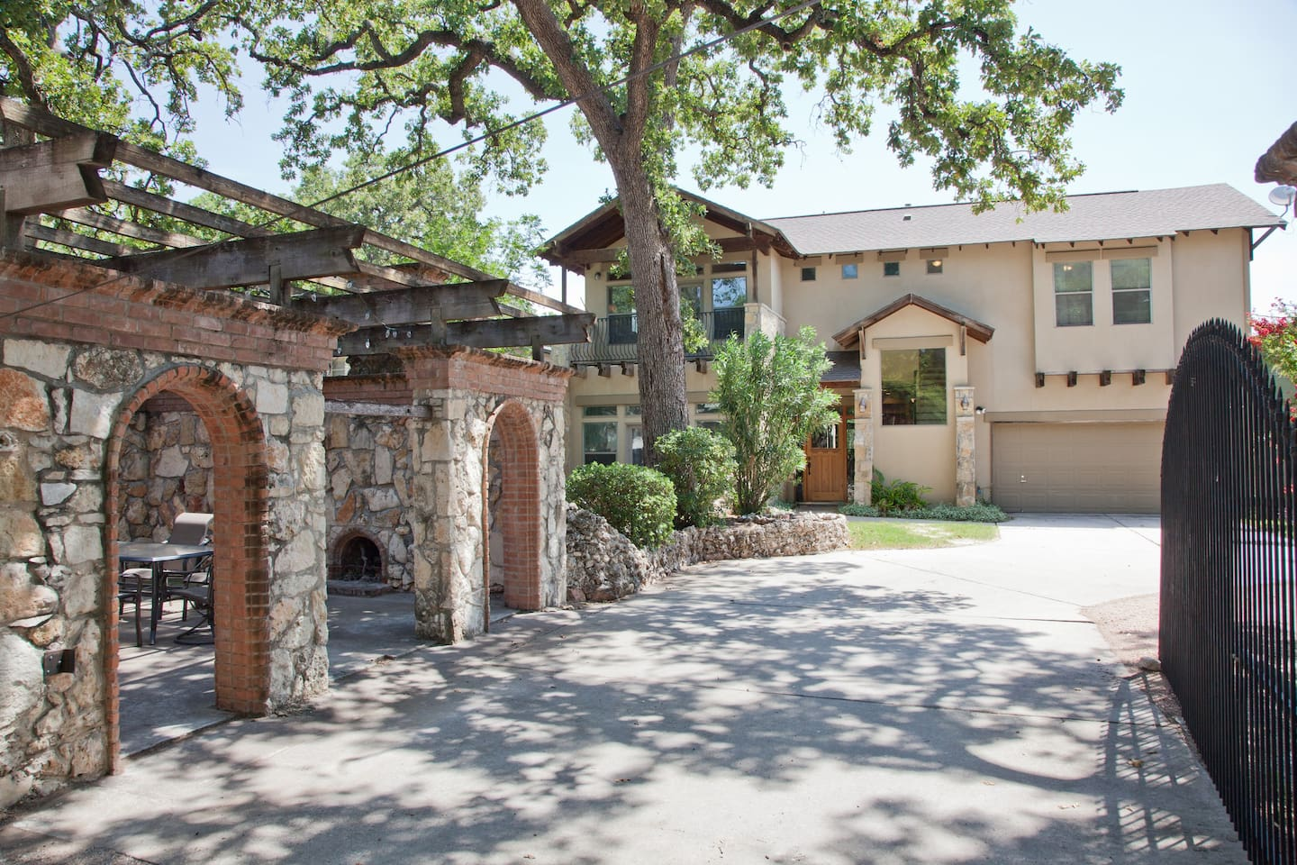 Upscale home with private courtyard and outdoor fireplace!