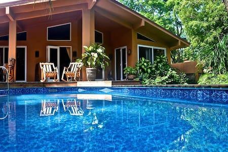 Casa Pelicano 3bed beachhse w/pool Surf & Boogiebd - Palm Beach Estates Playa Grande - Hus