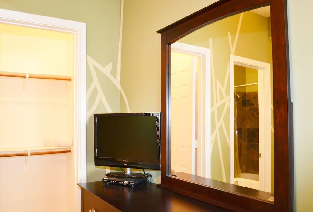 Guest room with U-Vers TV.