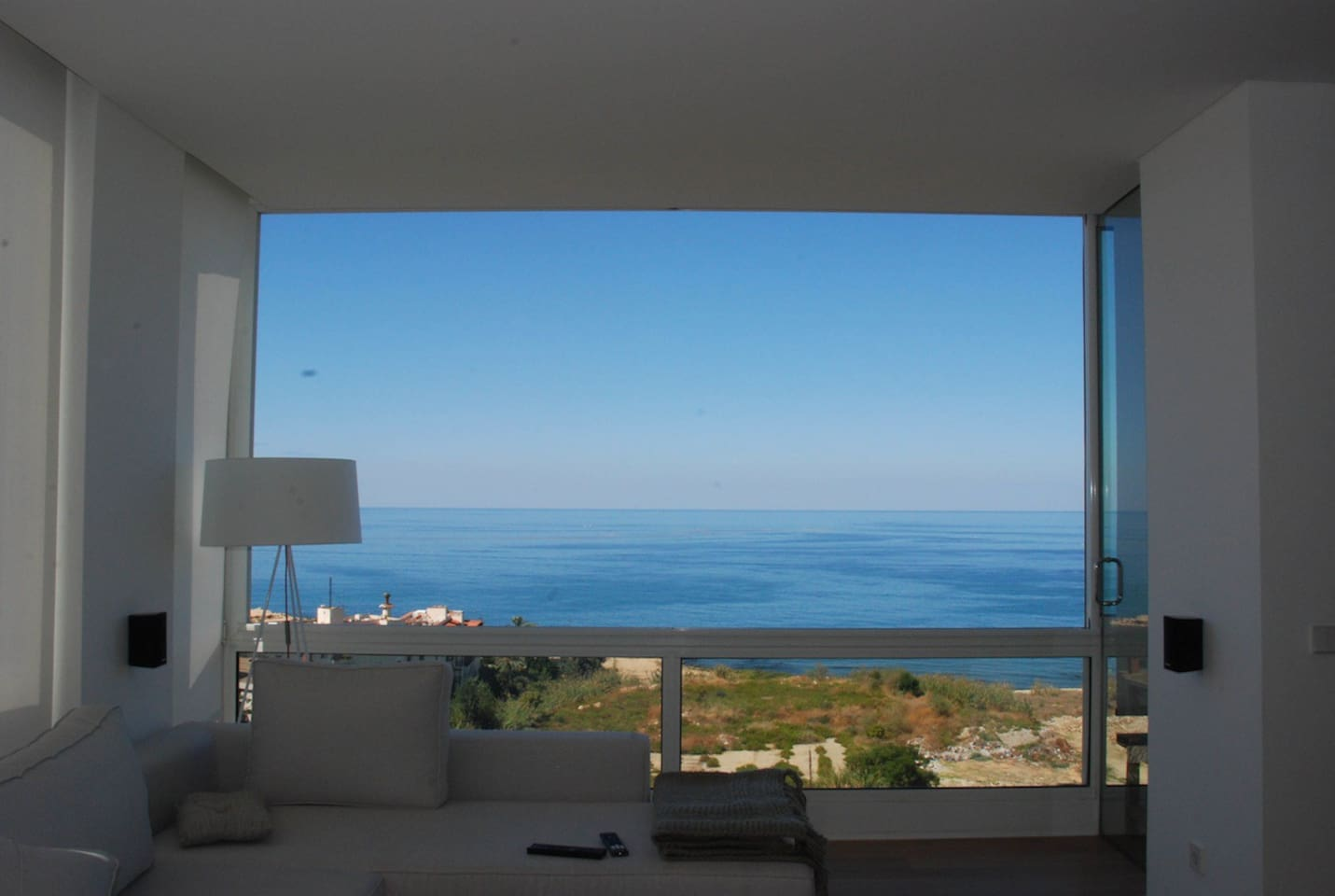 180' Sea View - Here with windows fully opened