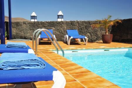 Villa Liv 1ª linea de playa, wifi - Vila