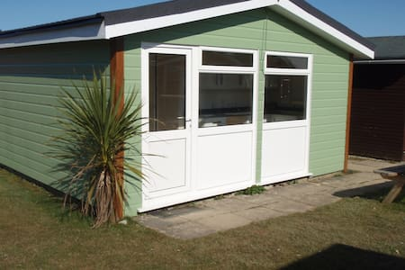 Self Catering Chalets - Saint Merryn - Chalet