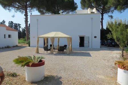 "Agriturismo ""Occhineri"" in Salento - Campi Salentina - Bed & Breakfast"
