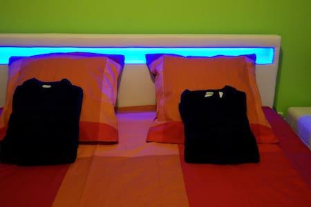 Chambre d'hôte Villa Alyzea-Pinet34-Green Room - Haus