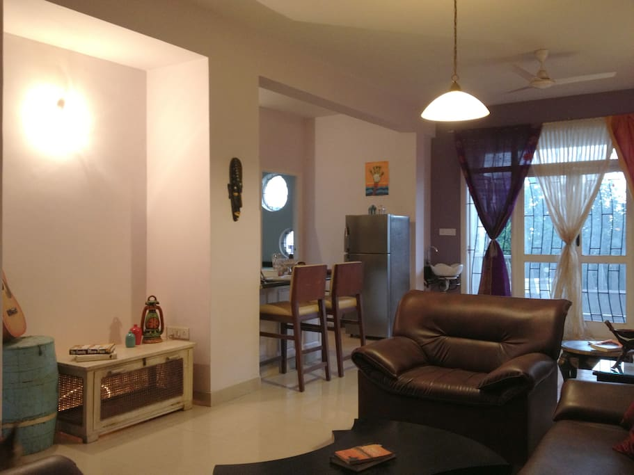 Bright and airy 2BR, Entire Flat