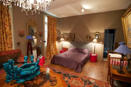 Chambre dans maison de maître bord de Dordogne - Chambres d'hôtes